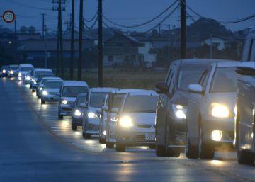Japón levanta la alerta de tsunami tras un fuerte terremoto en Fukushima
