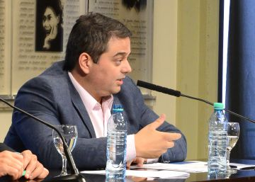 Macri pacta con empresas y sindicatos que no habrá despidos hasta marzo