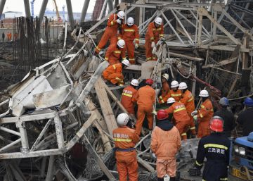 Ascienden a 74 los muertos por el derrumbe de una obra en China