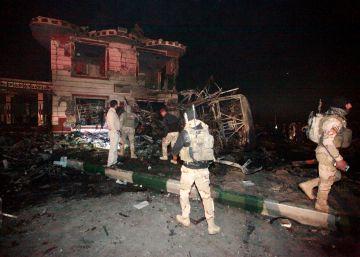 Al menos 100 muertos en un atentado con camión bomba al sur de Bagdad