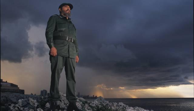 Fidel Castro posa con la Habana al fondo en 1994.