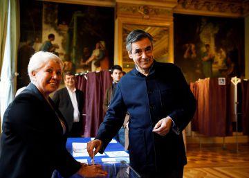 La radicalizada derecha francesa vota en masa para elegir su candidato al Elíseo