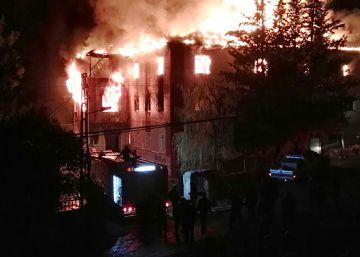 Mueren 12 personas en un incendio en una residencia estudiantil en Turquía