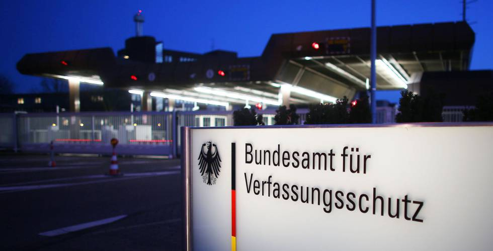 Sede en Colonia de la Oficina Federal para la Protección de la rn Constitución, los servicios secretos para el interior del país.