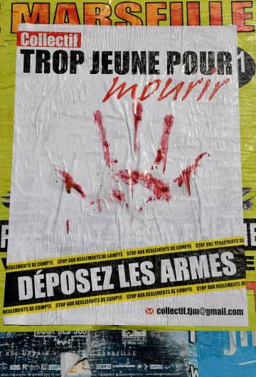 Afiche del colectivo francés Demasiado Joven Para Morir que llama a dejar las armas.