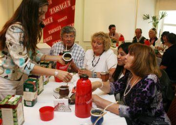 Los argentinos celebran el día del mate, su infusión favorita