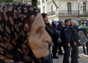Una ministra en Argelia propone que las casadas renuncien al sueldo