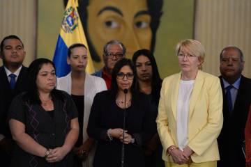 La ministra de Exteriores de Venezuela, Delcy Rodríguez, en la rueda de prensa celebrada en Caracas.