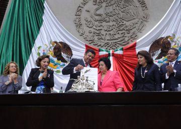 Los diputados mexicanos se otorgan un polémico bono navideño