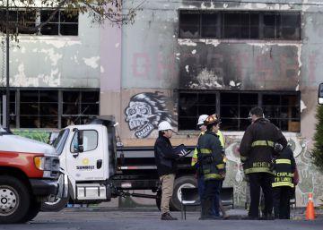 Ascienden a 36 los muertos recuperados en un incendio durante una fiesta en Oakland