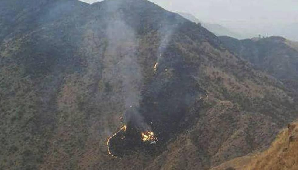 Resultado de imagem para avião cai no paquistão