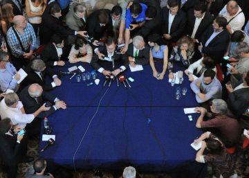 La oposición argentina se une y desafía a Macri en el Congreso