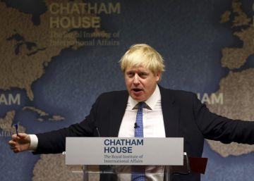 """Boris Johnson acusa a Irán y Arabia Saudí de """"manejar marionetas"""" en la región"""