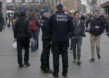 Molenbeek multa con 350 euros las reuniones de más de tres personas