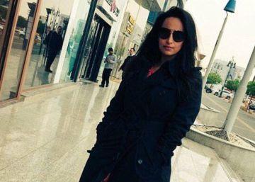 Arabia Saudí detiene a una joven por salir a la calle sin 'abaya'