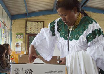 El voto con emoticonos inquieta a Ecuador