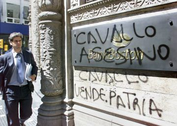 Nadie confía en los bancos argentinos después del corralito