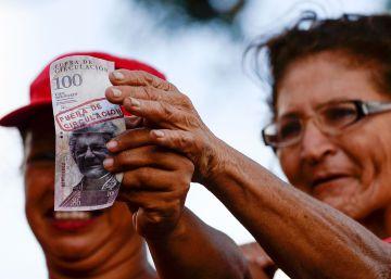 Maduro posterga hasta año nuevo la retirada de los billetes de 100 bolívares