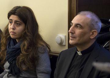 El Papa perdona al sacerdote español encarcelado por filtrar documentos secretos
