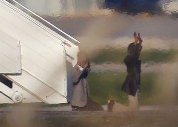 Los gadafistas que han secuestrado un avión libio liberan a los rehenes y se rinden