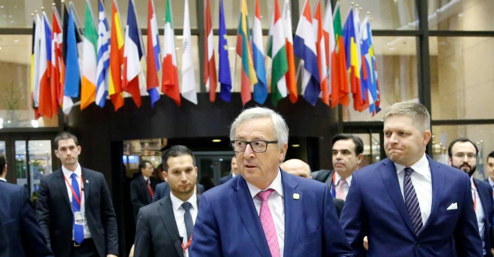 El presidente de la Comisión Europea, Jean-Claude Juncker, en primer plano, durante el último Consejo celebrado en Bruselas.