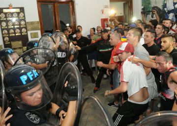 La muerte de un joven genera una pueblada contra la policía en Buenos Aires