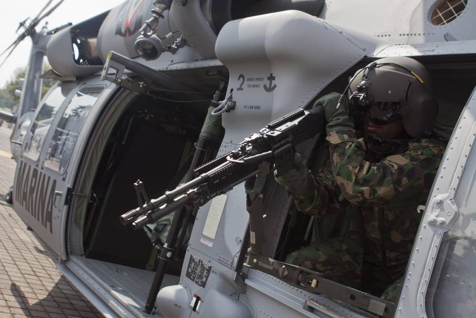 Un helicóptero entregado por EE UU a México, en 2011.