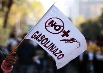 La patronal y la Iglesia piden a Peña Nieto frenar el descontento social ante el aumento de la gasolina