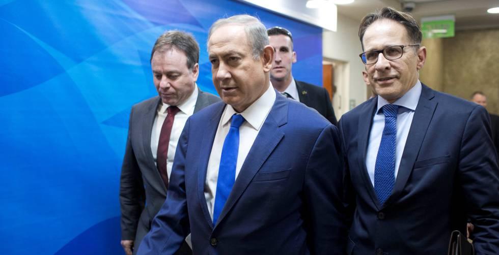 Benjamin Netanyahu llega al Consejo de Ministros, el domingo en Jerusalén.