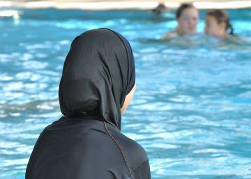 Estrasburgo ordena a las niñas musulmanas suizas ir a clases de natación mixtas
