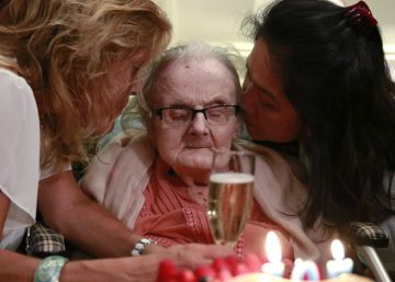 Muere a los 105 años la periodista que dio la primicia de la Segunda Guerra Mundial