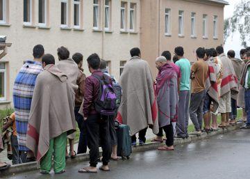El desplome en la llegada de refugiados refuerza a Merkel antes de las elecciones