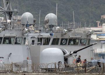 China eleva la tensión al desplegar un portaaviones en el estrecho de Taiwán