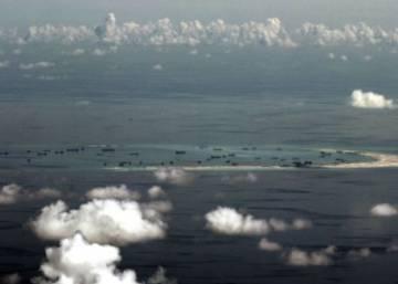 China levantará instalaciones militares en sus islas artificiales