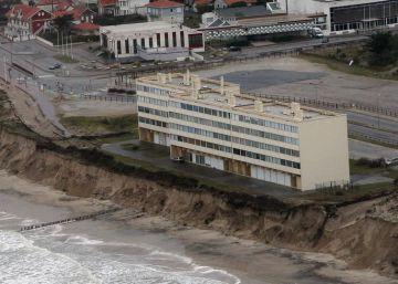 El mar se traga 300 edificios en diez años en Francia
