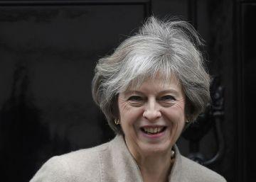 May pasa a la ofensiva en el 'Brexit'