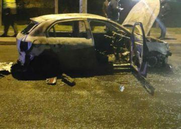 Un coche quemado, nuevo capítulo de la guerra entre Uber y los taxistas en Colombia