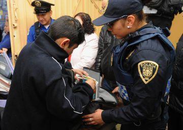 La 'operación mochila' vuelve a las escuelas mexicanas