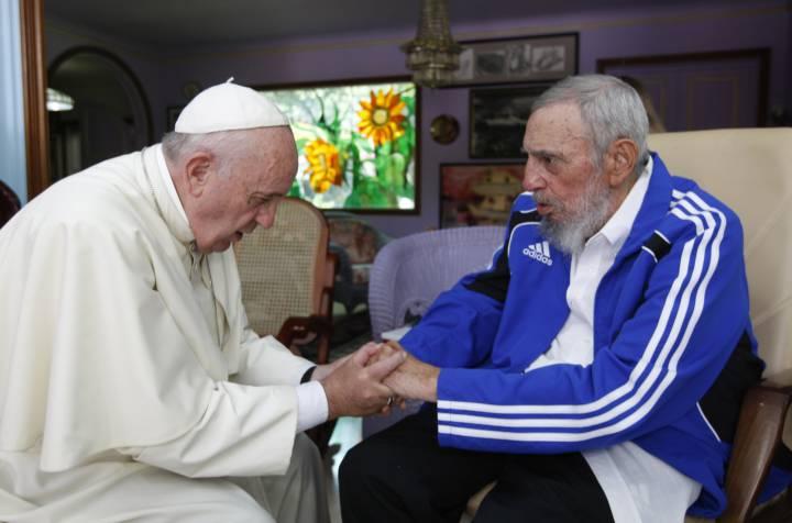 El Papa, con Fidel Castro en una visita a La Habana en septiembre de 2015.
