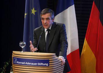 Fillon aboga ante Merkel por una nueva relación con el Kremlin