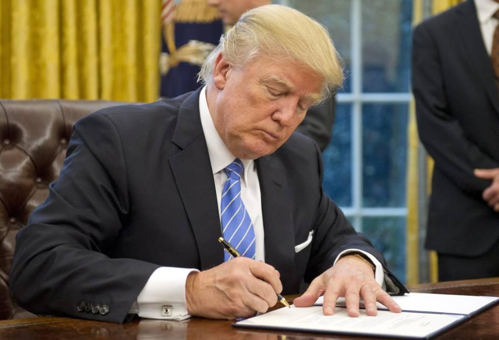 Resultado de imagem para Trump proíbe governo dos EUA de financiar grupos pró-aborto no exterior