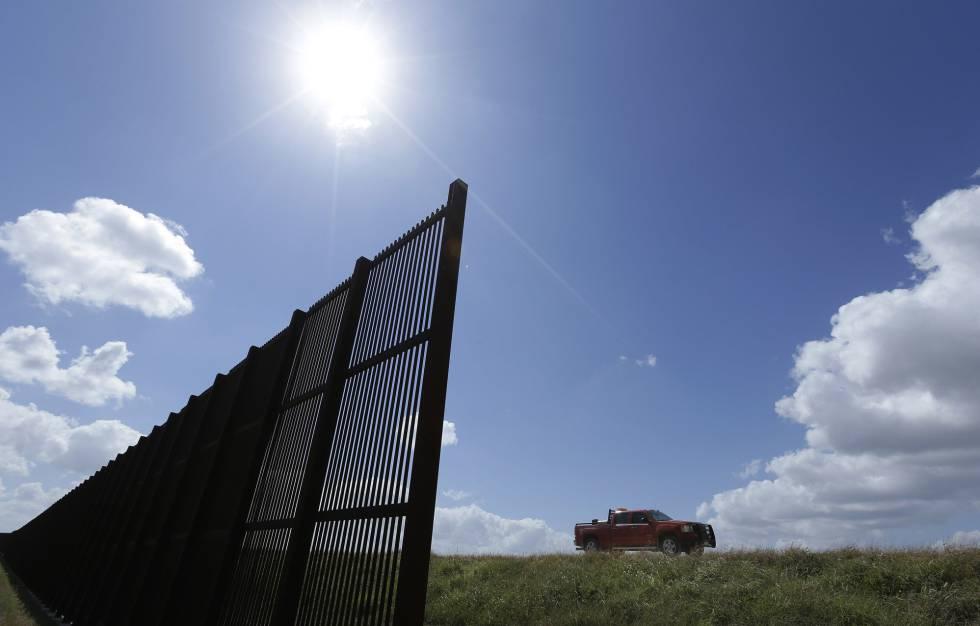 Trump amenaza con suspender la reunión con Peña Nieto si México no paga el muro