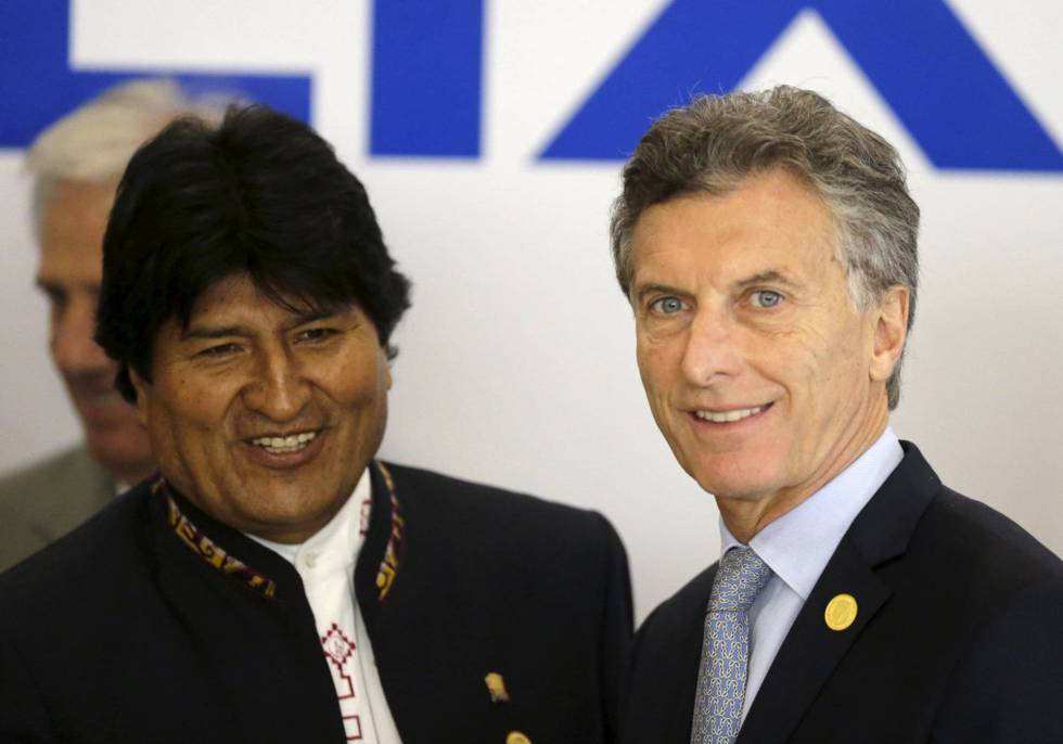 The presidents of Bolivia and Argentina, Evo Morales and Mauricio Macri.