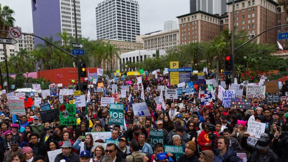 Manifestación en defensa de los inmigrantes en Los Ángeles, el sábado.