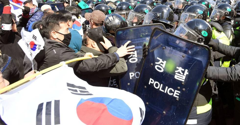Protestas en Seúl tras conocerse la sentencia.