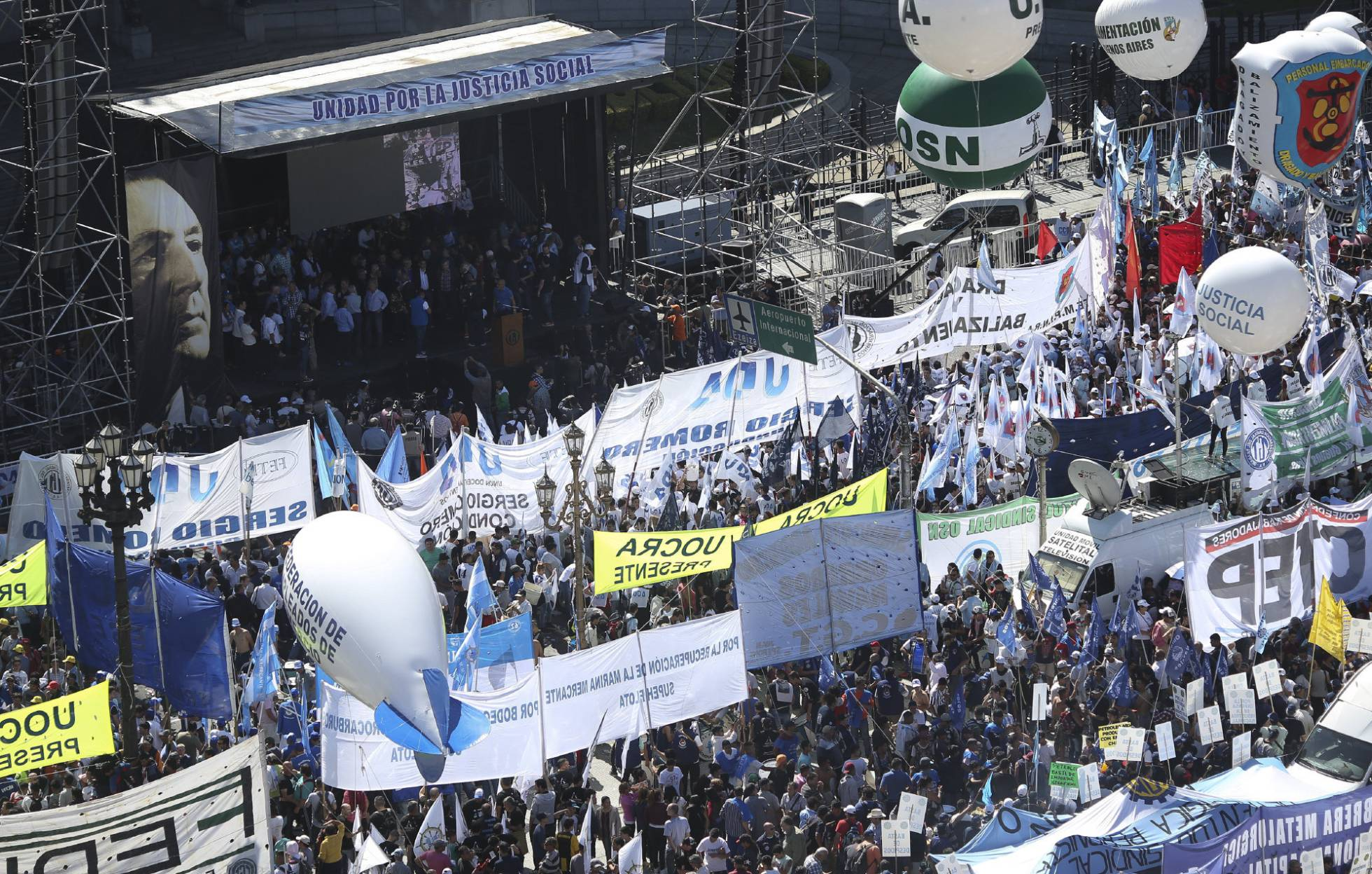 Sindicatos argentinos anunciam a primeira greve nacional contra Macri