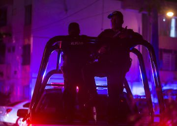 Police in Mexican state of Sinaloa accused of handing youths over to criminals