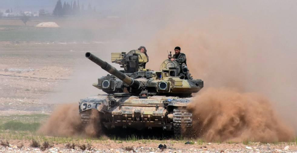 Tanque del ejército sirio cerca de Alepo.