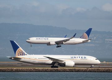 United Airlines niega el embarque a dos adolescentes porque llevaban 'leggings'