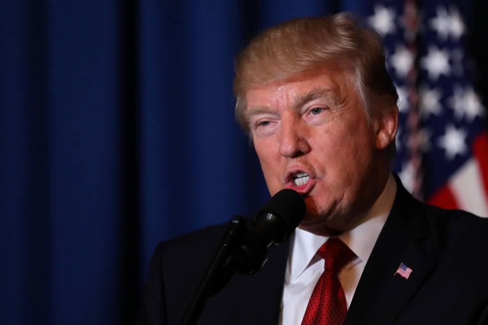 Trump, este jueves, al anunciar el ataque a una base aérea siria